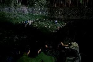 Hai bé trai chết đuối vì tắm kênh