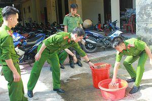 Lấy gạch tiêu hủy pháo: 3 cán bộ thi hành án, 1 cảnh sát bị thương