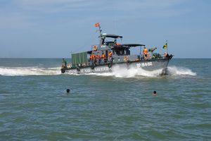 Huy động ngư dân tìm kiếm thuyền viên mất tích trên vùng biển Cà Mau