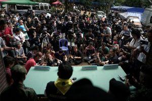 Tại sao tin tức giải cứu đội bóng Thái Lan thu hút sự quan tâm của cả thế giới?