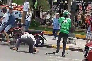 Ẩu đả giữa tài xế GrabBike và xe ôm truyền thống, 1 người bị thương