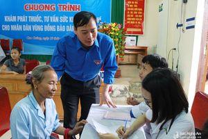 Con Cuông: Gần 500 người dân được khám bệnh, cấp phát thuốc miễn phí
