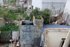 Nghi án đổ thuốc trừ sâu vào bể nước sinh hoạt của nhà hàng xóm