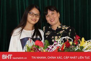 Vinh danh, khen thưởng nữ sinh Hà Tĩnh giành 13 suất học bổng Mỹ
