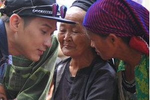 Tân Hoa hậu Vũ Thị Loan cùng ca sĩ Nguyên Vũ mang yêu thương đến Hà Giang