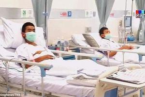 Hình ảnh 12 cầu thủ đội bóng đá thiếu niên Thái Lan sau khi giải cứu