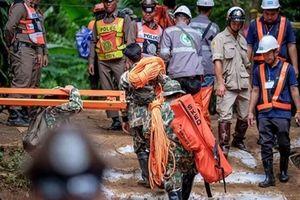10 mẩu chuyện cảm động trong cuộc giải cứu đội bóng Thái Lan