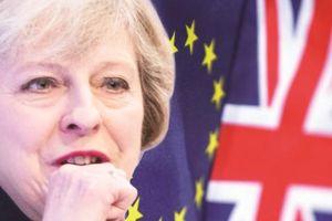 Thủ tướng Anh trước cơn 'sóng dữ' mới