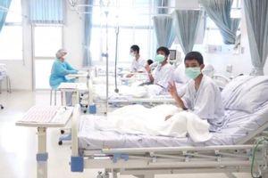 Hình ảnh đầu tiên của đội bóng thiếu niên Thái Lan ở bệnh viện