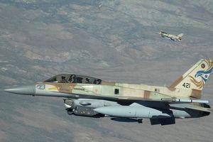 Israel tập kích phá hủy 3 trận địa quân đội Syria gần cao nguyên Golan