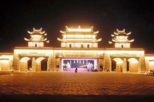 Chiêm ngắm những cổng tam quan có '1-0-2' ở Ninh Bình
