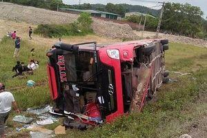 Khởi tố tài xế điều khiển xe khách lao xuống ruộng khiến 7 người thương vong