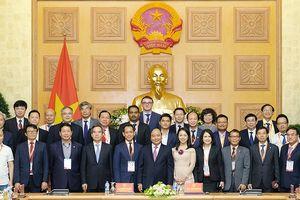 Thủ tướng gặp mặt các DN, diễn giả của Diễn đàn cấp cao về CN 4.0