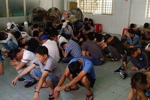 Đột kích quán bar chui, gần trăm dân bay đang phê ma túy