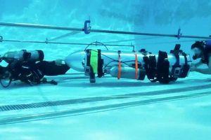 Tàu ngầm giải cứu đội bóng bị kẹt trong hang động