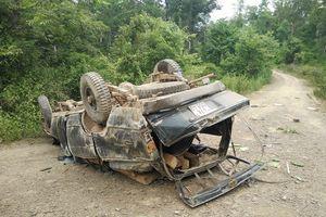Vụ xe chở gỗ lậu bị lật gần trạm bảo vệ rừng: Tạm đình chỉ cả trạm