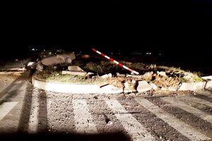 Chánh văn phòng huyện tử vong khi đâm xe vào dải phân cách