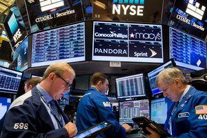 Dow Jones vượt 25.000 điểm khi lợi nhuận doanh nghiệp tích cực