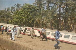 Trật bánh tàu chở khách ở Ai Cập: Ít nhất 58 người bị thương