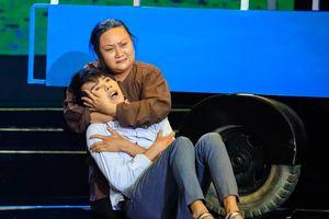 Nữ nghệ sĩ Huyền Trâm bật khóc kể về mẹ trên Sao nối ngôi
