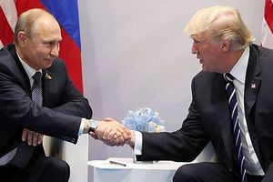 Vì sao ông Trump kiên quyết gặp ông Putin trước bão dư luận?