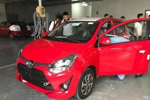 Cận cảnh Toyota Wigo tại đại lý, giá khoảng 300 triệu đồng