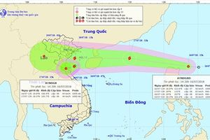 Hai cơn áp thấp nhiệt đới: Một vào bờ, một đang mạnh lên thành bão