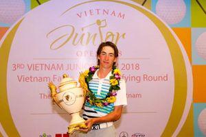 Perry vượt qua ĐKVĐ Hanako để đăng quang giải golf VJO 2018