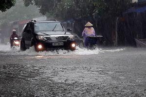 Áp thấp nhiệt đới dồn dập, mưa lũ đe dọa Bắc bộ và Trung bộ