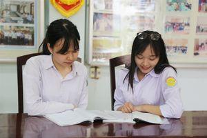 'Săn' học bổng nuôi ước mơ du học của học sinh miền biên giới