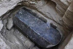Phát hiện quan tài nguyên vẹn hiếm thấy sau 2.000 năm ở Ai Cập.