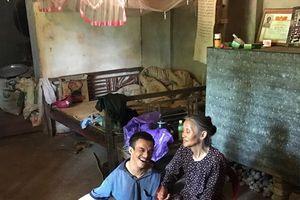Clip: Tâm sự của người mẹ già cả đời nuôi con tật nguyền ở Bắc Giang