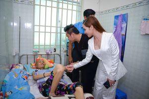 Hoa khôi Bảo Ngọc tham gia gây quỹ giúp công nhân mắc bệnh hiểm nghèo