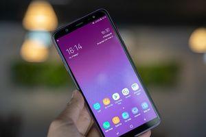Mở hộp Galaxy J8 màu tím: đẹp dịu dàng, màn hình tràn viền và camera kép