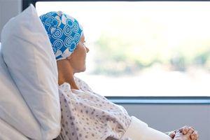 Những tác dụng phụ sẽ gặp phải khi điều trị ung thư bằng hóa trị