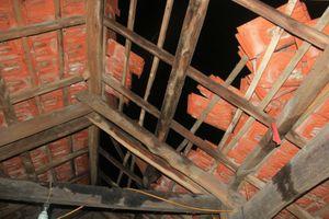Lốc xoáy làm tốc mái, hư hại hàng chục ngôi nhà ở Hà Tĩnh