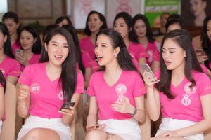 Thí sinh Hoa hậu Việt Nam 2018 hào hứng học hát ví dặm