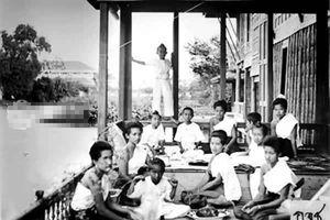 Tò mò chuyện hậu cung thời Vua Rama V kiệt xuất Thái Lan