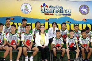 Đội bóng thiếu niên Thái Lan: 'Chúng tôi đã đào bới các bức tường trong hang'