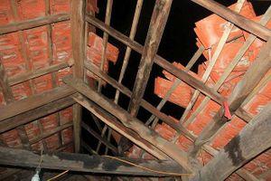 Hà Tĩnh: 15 nhà dân bị lốc xoáy làm tốc mái, hư hỏng tài sản trong đêm 