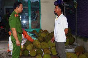 Phát hiện cơ sở kinh doanh bơm hóa chất vào trái cây ở Hà Nam