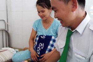 Quảng Nam: Tài xế đỡ đẻ cho sản phụ ngay trên xe taxi
