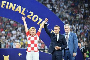 Tổng thống Croatia chiến thắng chính trị như thế nào từ đấu trường sân cỏ?