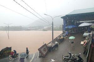 Lũ lớn chia cắt nhiều xã vùng cao tỉnh Quảng Ninh sau bão số 3