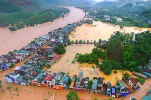 Biển nước bao vây huyện vùng cao Quảng Ninh