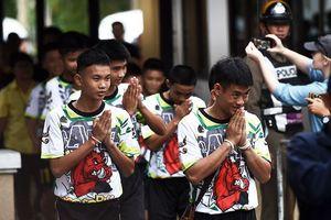Cuộc tái xuất đầy ngoạn mục của đội bóng thiếu niên Thái Lan