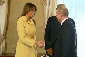 Biểu cảm của Đệ nhất phu nhân Mỹ sau khi bắt tay Tổng thống Putin gây chú ý
