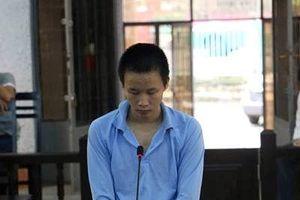 Lĩnh án 8 năm tù vì đưa bạn gái nhí quen trên Facebook về nhà 'thân mật'