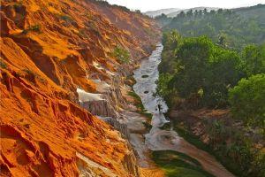 Bình Thuận yêu cầu chủ đầu tư cam kết cụ thể tiến độ dự án Khu du lịch Suối Hồng