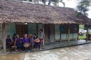 Hà Giang: Hai vợ chồng bị khách mua rượu chém thương vong